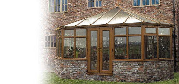 choices-golden-oak-victorian-conservatory