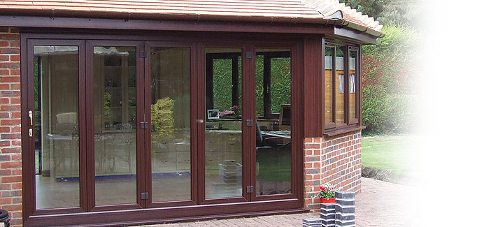 choices-mahogany-bi-folding-doors
