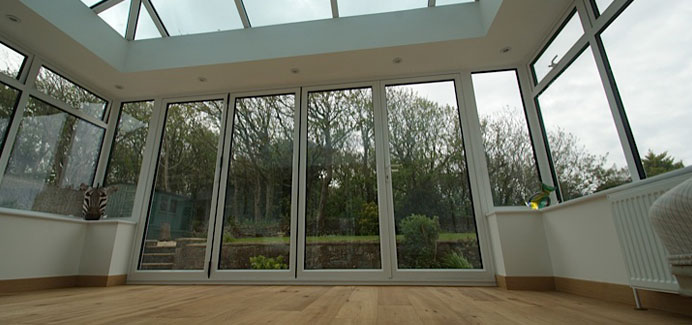 white-aluminium-bi-folding-doors1