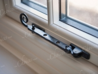 cream-woodgrain-windows-doors02