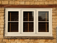 cream-woodgrain-windows-doors61