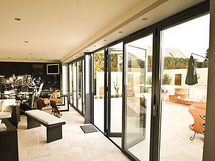 choices-aluminium-multifolding-doors