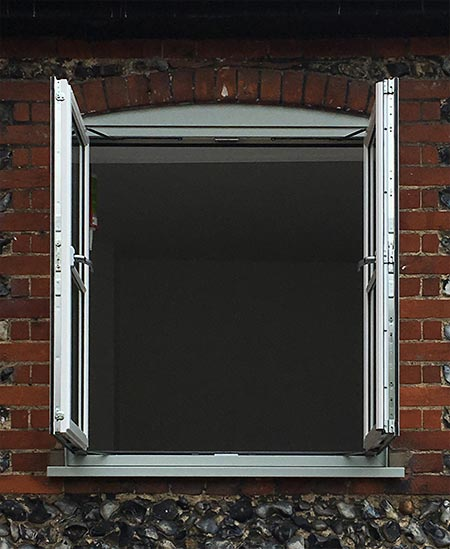 Flush 70 Window with floating Mullion
