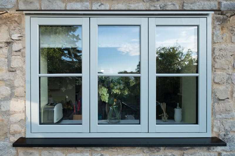External picture of a Flush 70 window with Zero sighltine mullion